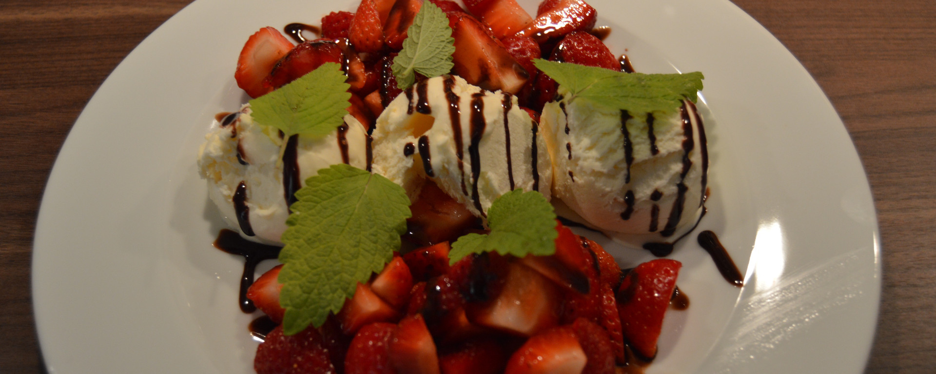 Norwegian Strawberries with ice cream