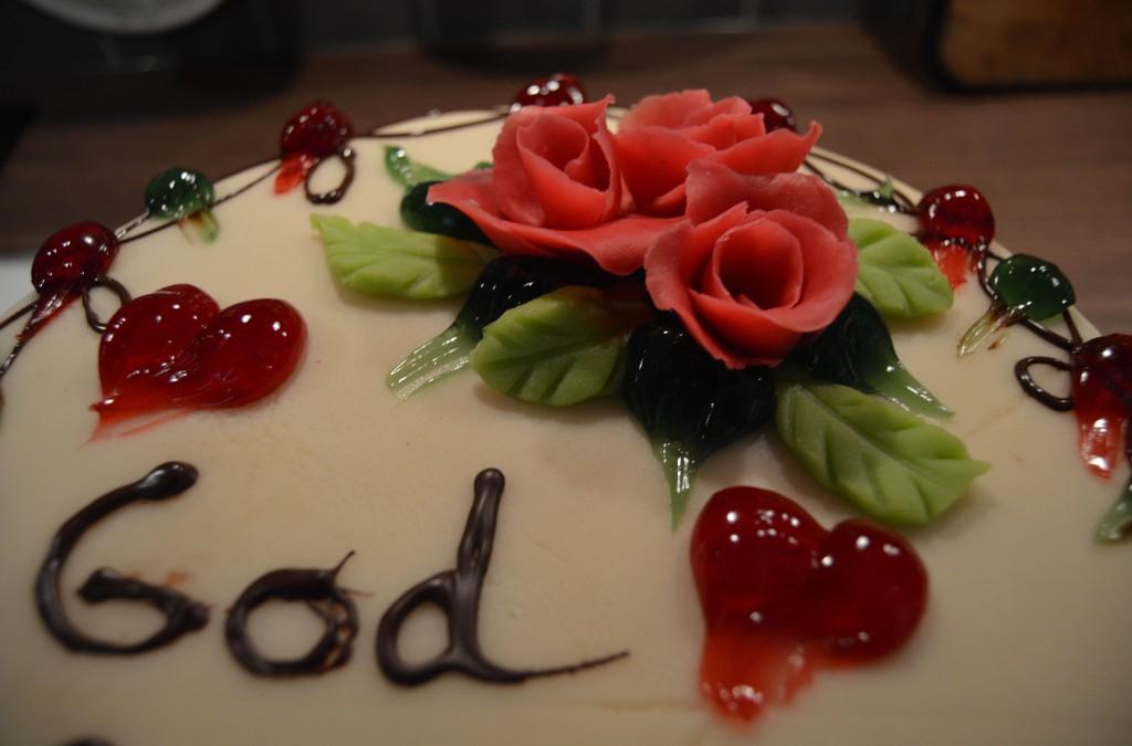 Norwegian Birthday Cake Part 2 – Round Marzipan Cake